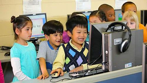 کلاسهای آموزش زبان برای کودکان در آمریکا